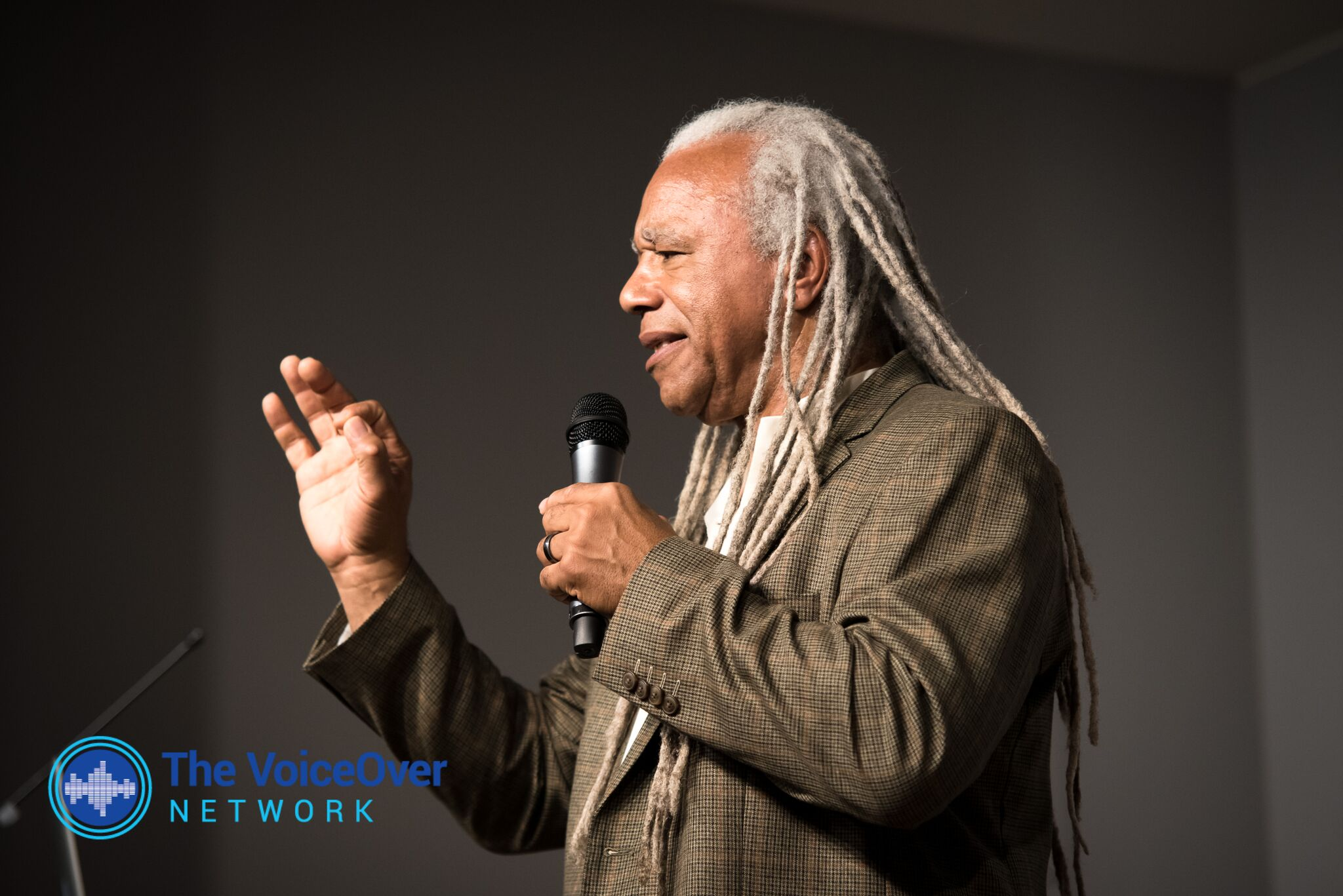 THE VOICEOVER NETWORK WITH DAVE FENNOY