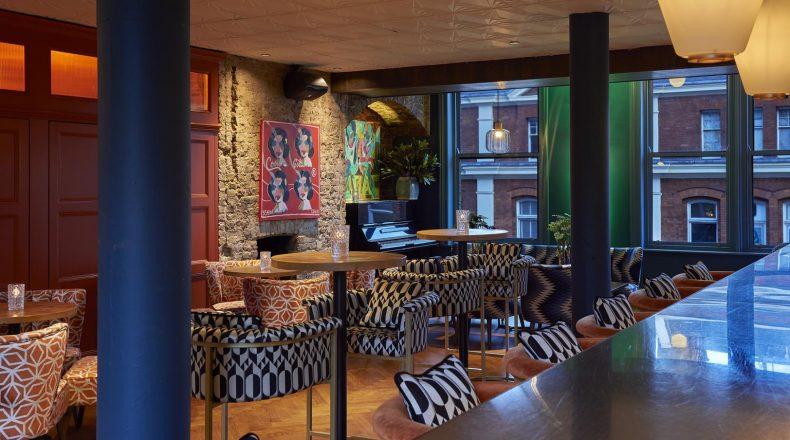 Piano Bar (Rooms)